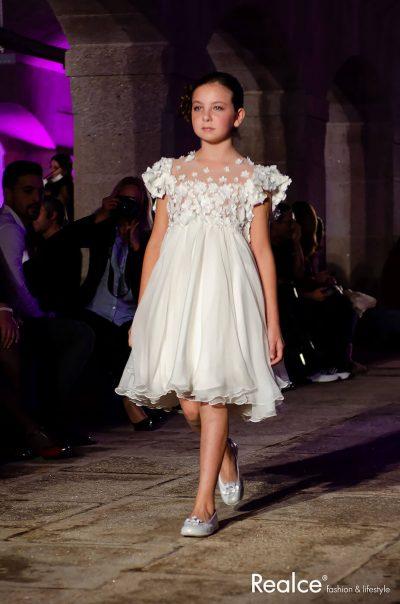 Desfile de Vestidos de Cerimónia de Criança